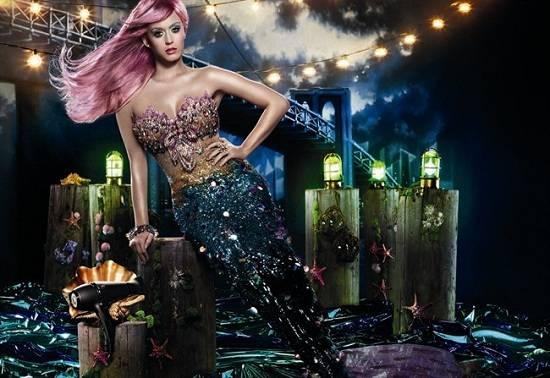 Katy Perry sirenetta per David La Chapelle - Prodotti Capelli